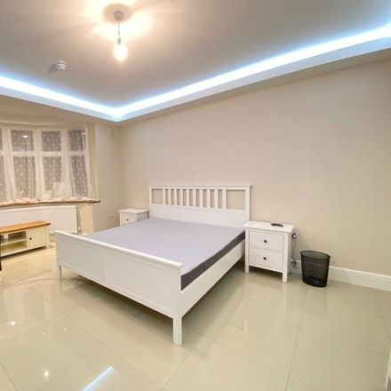 Rent this 1 bed room on Dudden Hill in Park Avenue North, London NW10 1HU
