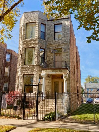 Rent this 3 bed condo on South Prairie Avenue in Chicago, IL 60653