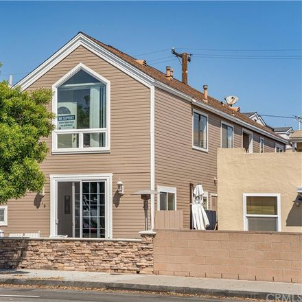 Rent this 0 bed townhouse on 219 1/2 32nd Street in Newport Beach, CA 92663