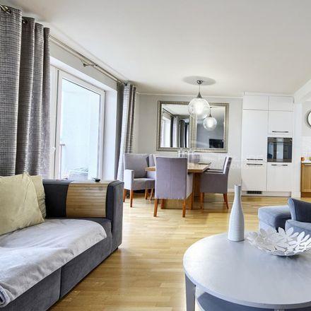 Rent this 5 bed apartment on Szkoła Podstawowa nr 85 im. Zrzeszenia Kaszubsko-Pomorskiego in Stolema 59, 80-177 Gdansk