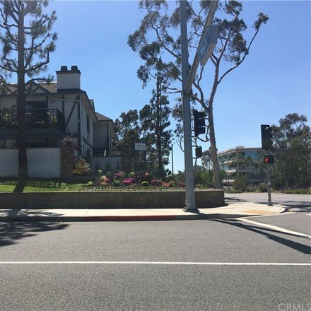 Rent this 1 bed condo on 2599 Walnut Avenue in Signal Hill, CA 90755