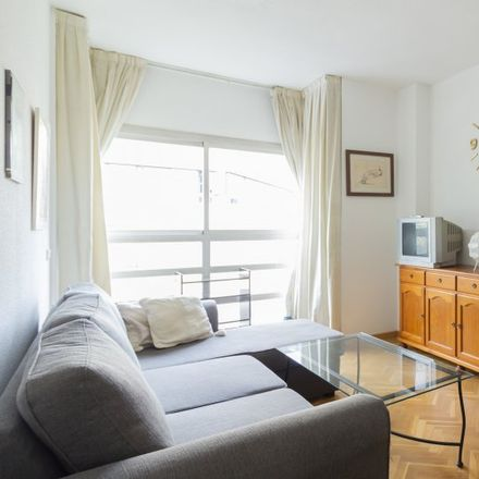 Rent this 1 bed apartment on Resopal in Calle de Cronos, 14