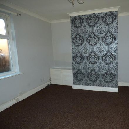 Rent this 3 bed house on West View in Newcastle upon Tyne NE15 8DH, United Kingdom