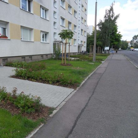 Rent this 2 bed apartment on Magdeborner Straße 40 in 04552 Borna, Germany