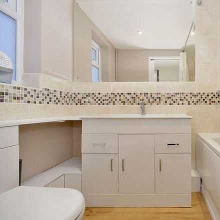 Rent this 2 bed house on Summers Road in Waverley GU7 3BB, United Kingdom