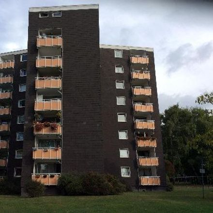 Rent this 3 bed apartment on Kastanienallee 19 in 44652 Herne, Germany