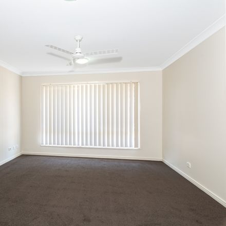 Rent this 4 bed house on 27 Dean Street