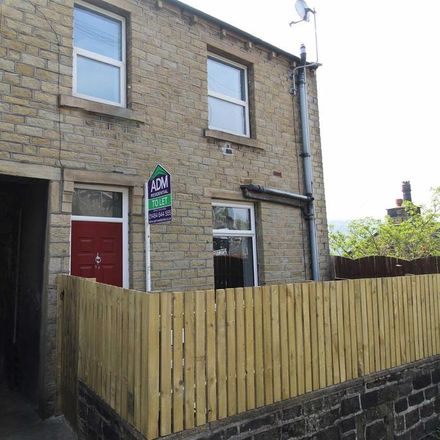 Rent this 2 bed house on Lowergate in Kirklees HD3 4ER, United Kingdom