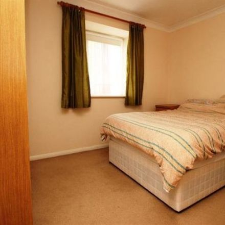 Rent this 2 bed apartment on Fennels Wood in Treadaway Hill, Loudwater HP10 9QL