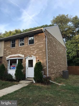 Rent this 3 bed townhouse on 162 Key Parkway in Frederick, MD 21702