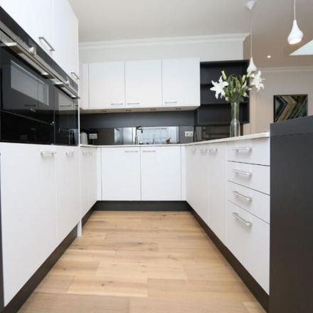 Rent this 2 bed apartment on Woodside Terrace in Glasgow G3 7UY, United Kingdom