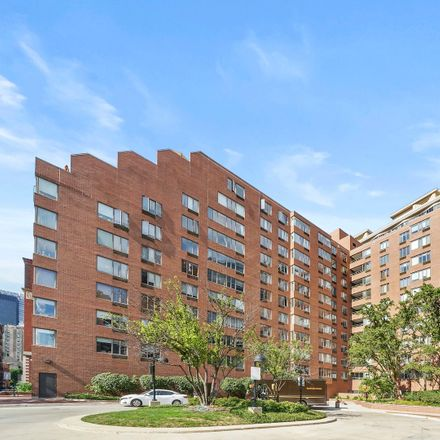 Rent this 1 bed condo on Terraces of Dearborn Park in 801 South Plymouth Court, Chicago