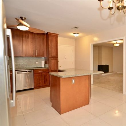 Rent this 3 bed condo on 1621 South Pomona Avenue in Fullerton, CA 92832