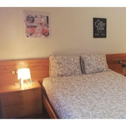 Rent this 4 bed room on Rúa de Urzáiz in 107, 36204 Vigo