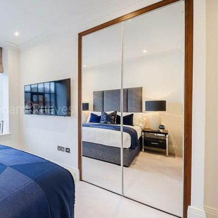 Rent this 2 bed apartment on Auriol Kensington Rowing Club in Lower Mall, London W6 9DJ