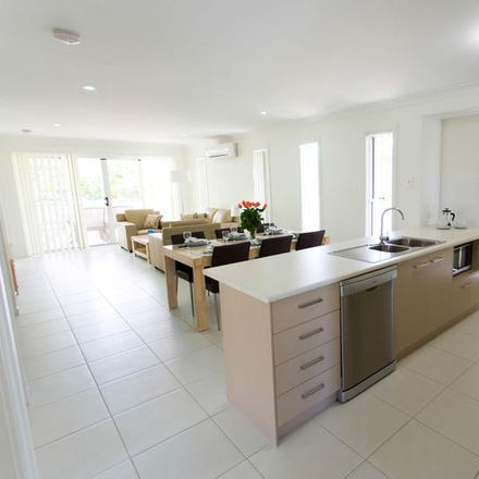 Rent this 3 bed duplex on 7 Cello Court