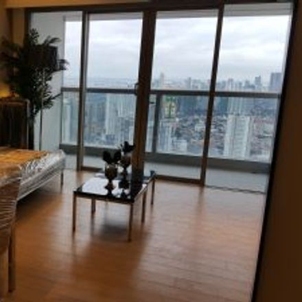 Rent this 1 bed apartment on Shangri-La Plaza in EDSA, Highway Hills