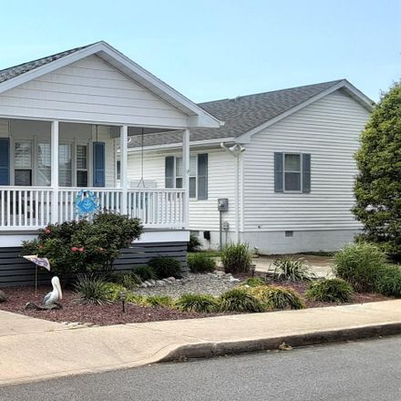 Rent this 3 bed house on Twin Tree Rd in Ocean City, MD