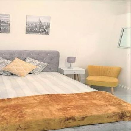 Rent this 0 bed loft on St Mary Magdalen RC Junior School in Linacre Road, London NW2 5BB