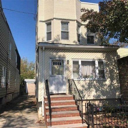 Rent this 3 bed house on 92-19 91st Avenue in New York, NY 11421
