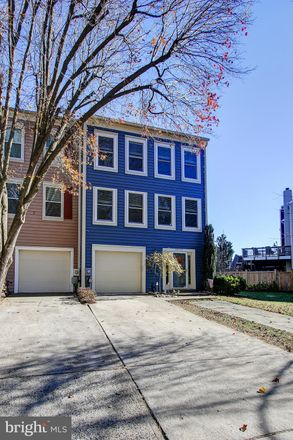 Rent this 3 bed townhouse on 20459 Sunbright Lane in Germantown, MD 20874