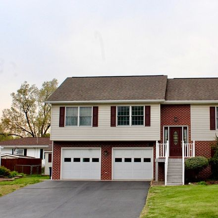 Rent this 3 bed house on 570 Blue Ridge Drive in Harrisonburg, VA 22802