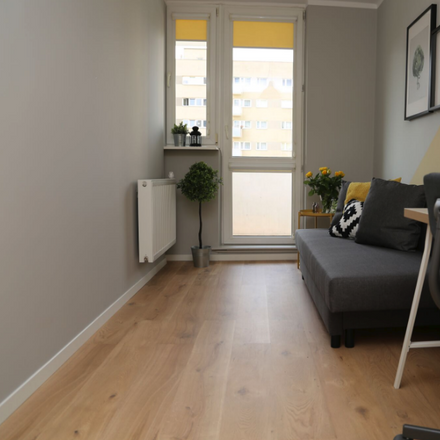 Rent this 8 bed room on Zwierzyniecka 1 in 00-719 Warsaw, Poland