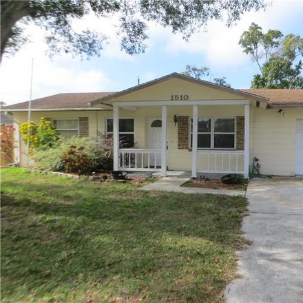 Rent this 3 bed house on 1510 10th Street Southwest in Largo, FL 33770