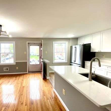 Rent this 5 bed townhouse on Pinelake Ct in Alexandria, VA