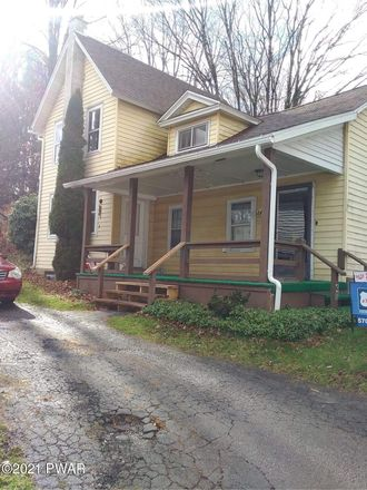 Rent this 3 bed apartment on 240 Vine Street in Honesdale, PA 18431