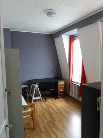 Rent this 7 bed room on 28 Allée Paul Gauguin in 59370 Mons-en-Barœul, France