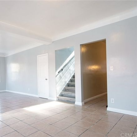 Rent this 3 bed duplex on W 40th Pl in Los Angeles, CA