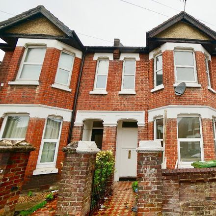 Rent this 5 bed house on 44 Newcombe Road in Southampton SO15 2FS, United Kingdom