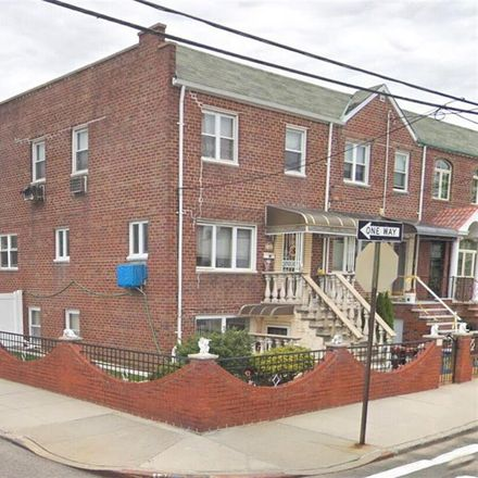 Rent this 4 bed townhouse on 10th Ave in Brooklyn, NY