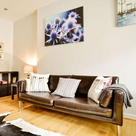 Rent this 3 bed apartment on 257 Canongate in City of Edinburgh EH8 8DF, United Kingdom
