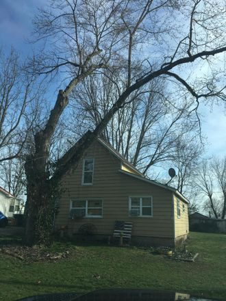 Rent this 2 bed house on 111 Bluff Street in Williamsport, OH 43164