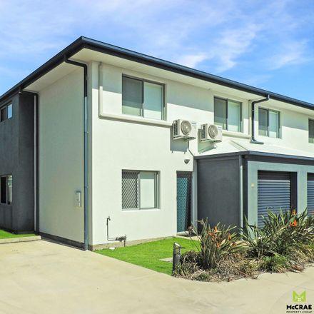 Rent this 3 bed apartment on Unit 10 / 6 Brisbane Street