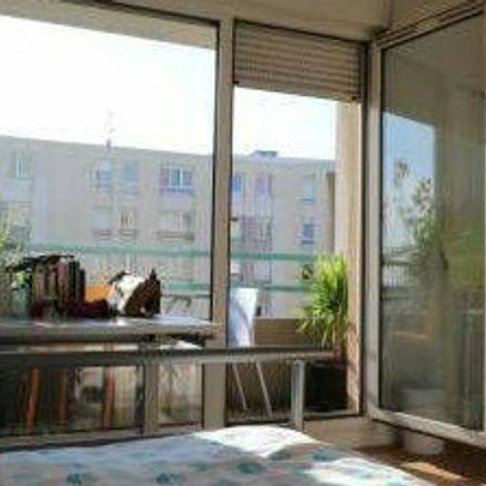 Rent this 5 bed room on Rue de l'Effort in 69007 Lyon, Francia