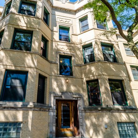 Rent this 2 bed condo on 4180 North Clarendon Avenue in Chicago, IL 60613