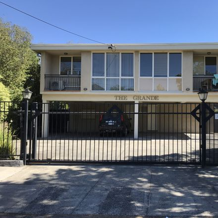 Rent this 2 bed apartment on 3/13 Melbourne Street