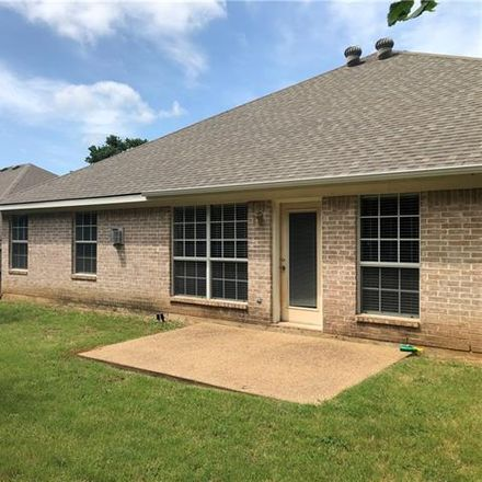Rent this 3 bed house on 608 Everglade Drive in Mansfield, TX 76063