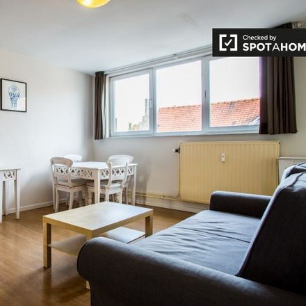 Rent this 1 bed apartment on Rue de la Croix de Pierre - Stenen-Kruisstraat 30 in 1060 Saint-Gilles - Sint-Gillis, Belgium