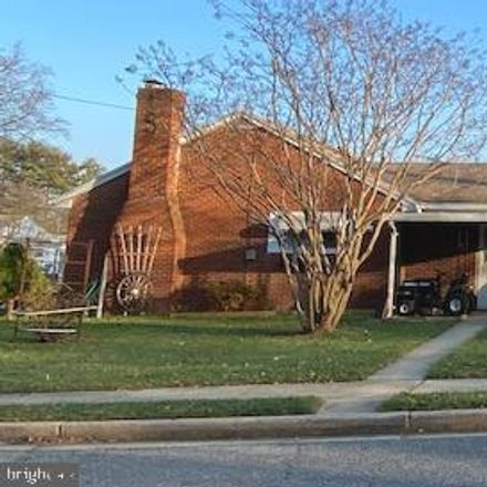 Rent this 3 bed house on 406 Pearl Street in Frederick, MD 21701
