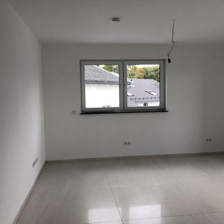 Rent this 4 bed apartment on Sossenheimer Straße 4 in 65760 Eschborn, Germany