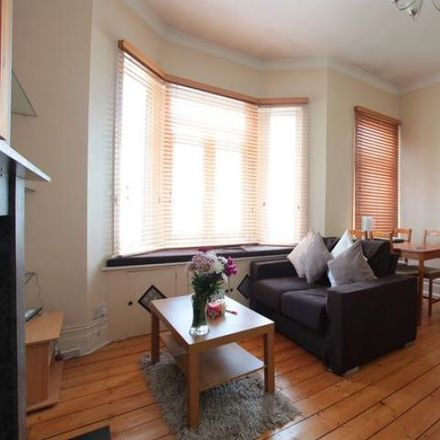 Rent this 2 bed apartment on Holmesdale Road in London SE25 6NJ, United Kingdom