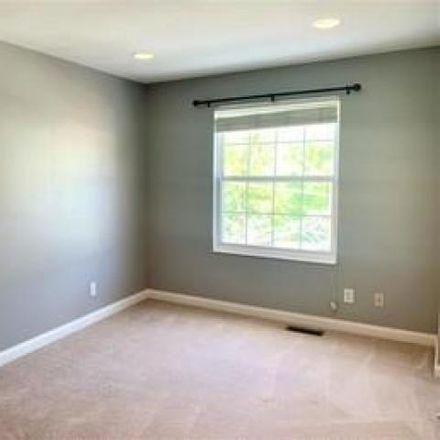 Rent this 2 bed condo on 1722 William Howard Taft Road in Cincinnati, OH 45206