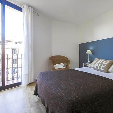 Rent this 4 bed apartment on Carrer de Balmes in 10, 08007 Barcelona