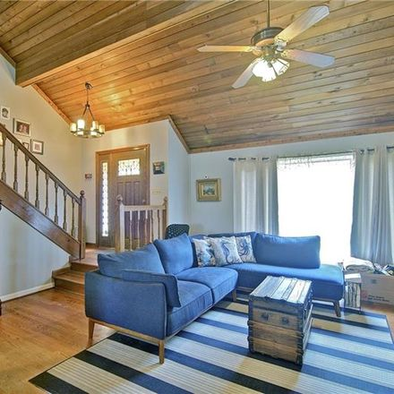 Rent this 5 bed loft on Wagon Trl in Woodstock, GA