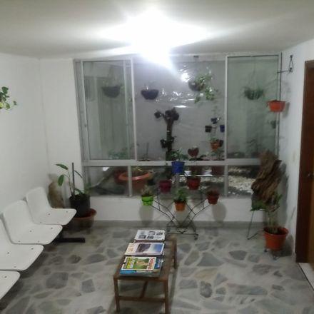 Rent this 2 bed apartment on Escuela de Administración y Mercadotécnia del Quindío in Avenida Bolívar - Carrera 14, Fundadores