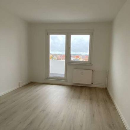 Rent this 3 bed apartment on Olvenstedter Chaussee 149 in 39130 Magdeburg, Germany